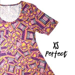 *NWT* Lularoe perfect T